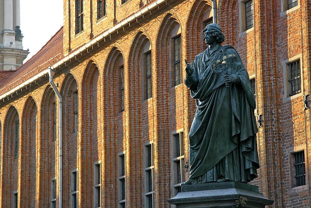 Памятник Николаю Копернику в Торуни