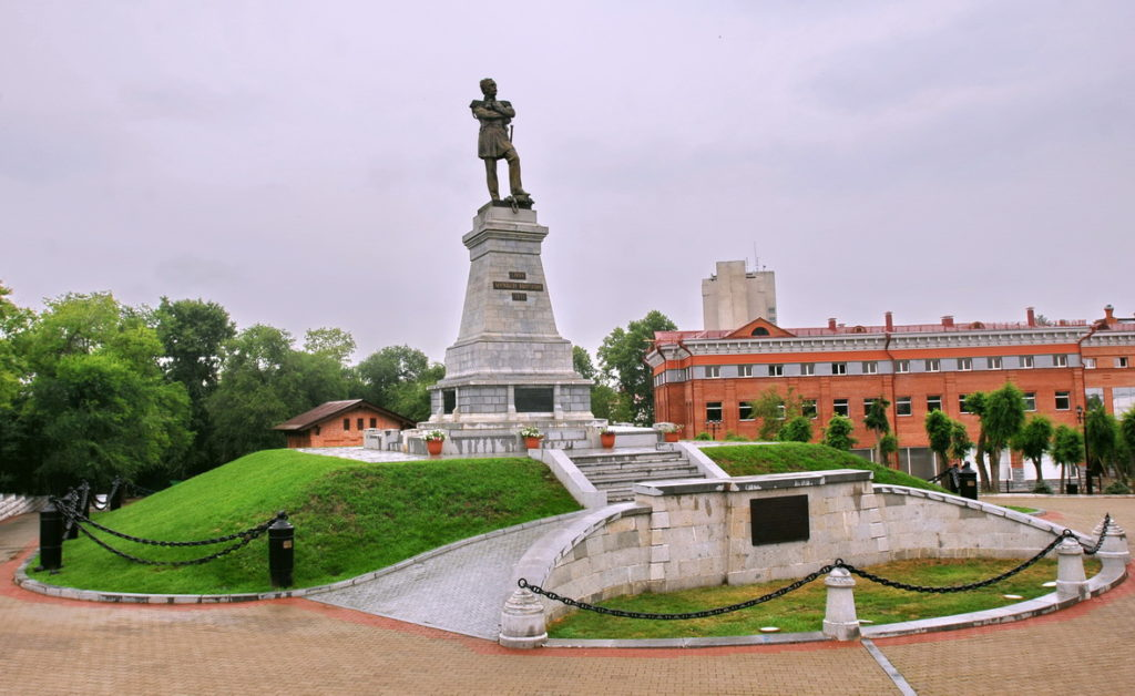 Памятник Муравьеву-Амурскому в Хабаровске