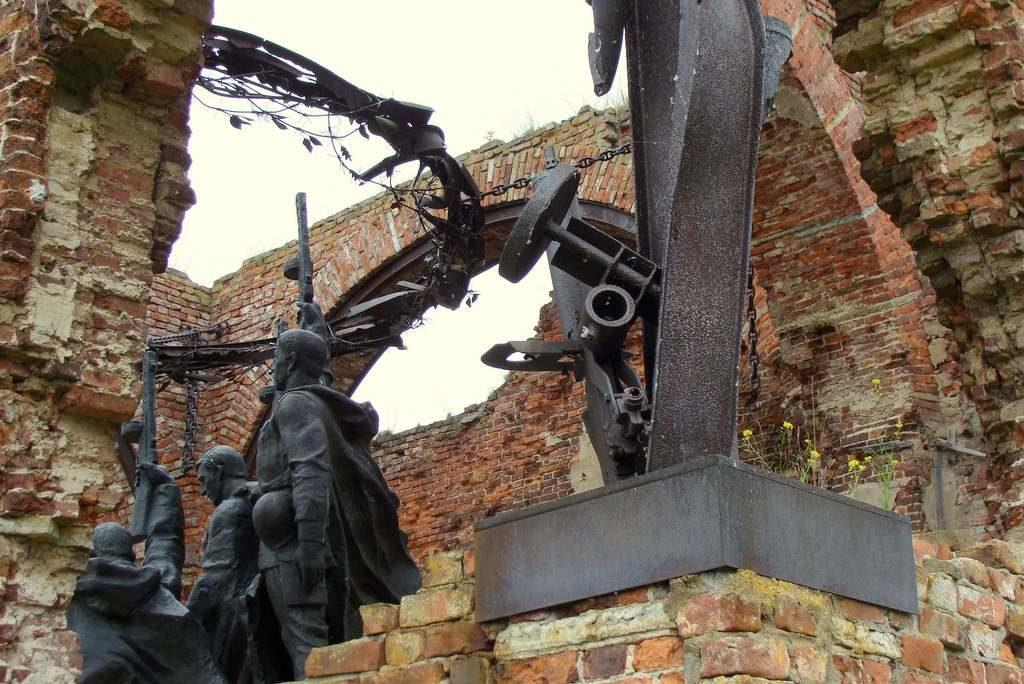 Мемориал защитникам Шлиссельбургской крепости, руины Иоанновского собора, крепость Орешек