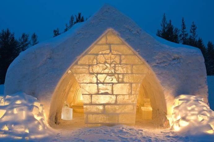 Изба-иглу «Snow Hotel» в Рованиеми