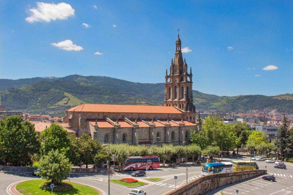 Базилика Богоматери Бегоньи в Бильбао