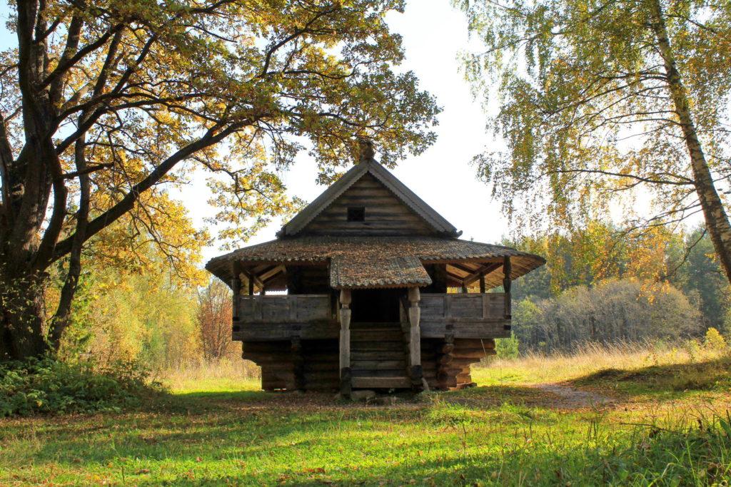 """Музей деревянного зодчества """"Василёво"""" близ Торжка"""