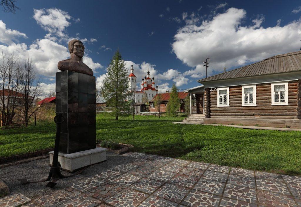 Памятник Ивану Кускову в Тотьме