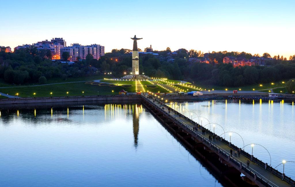 Памятник Матери-Покровительницы в Чебоксарах