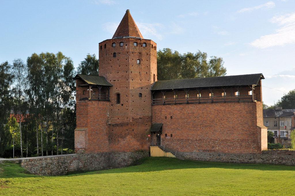 Замок князей Мазовецких близ Варшавы