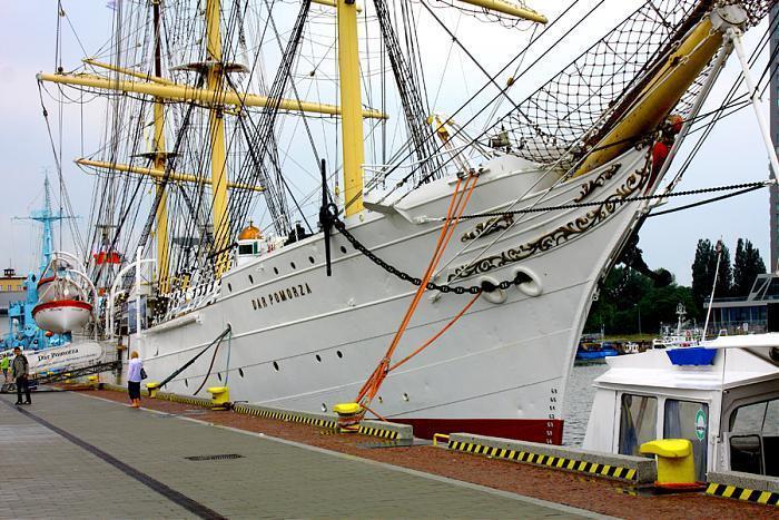Корабль-музей «Дар Поморья» в Гдыне