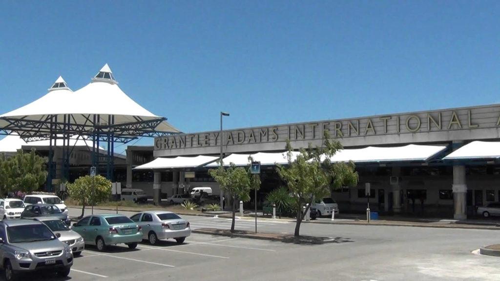 "Аэропорт ""Грантли Адамс"" в Барбадосе"