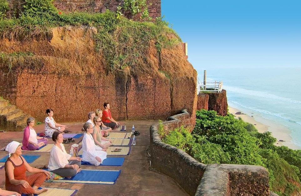 Йога в Варкале, Керала, Индия