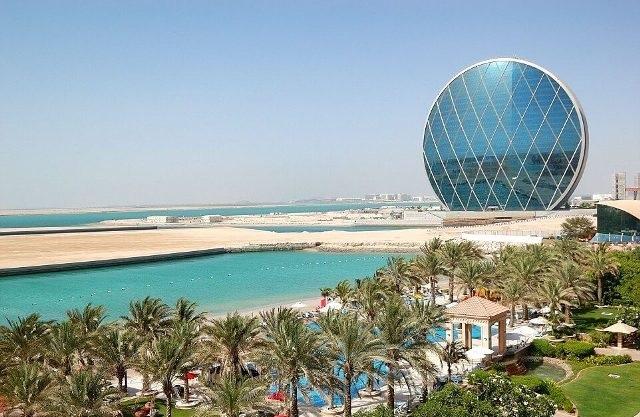 Круглый небоскрёб Абу-Даби