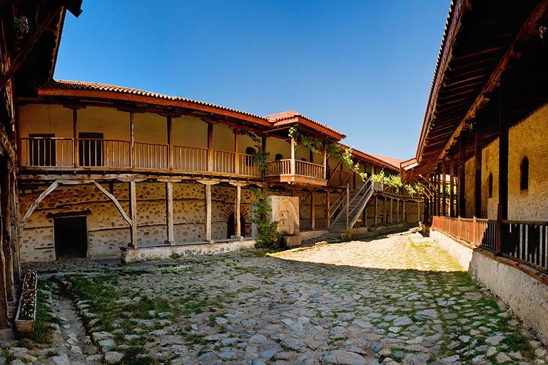Роженский мужской монастырь в Болгарии, близ Мелника