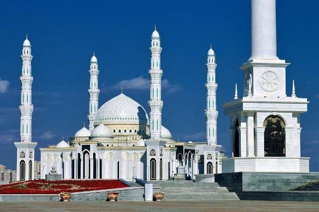 Мечеть «Хазрет Султан» в Астане