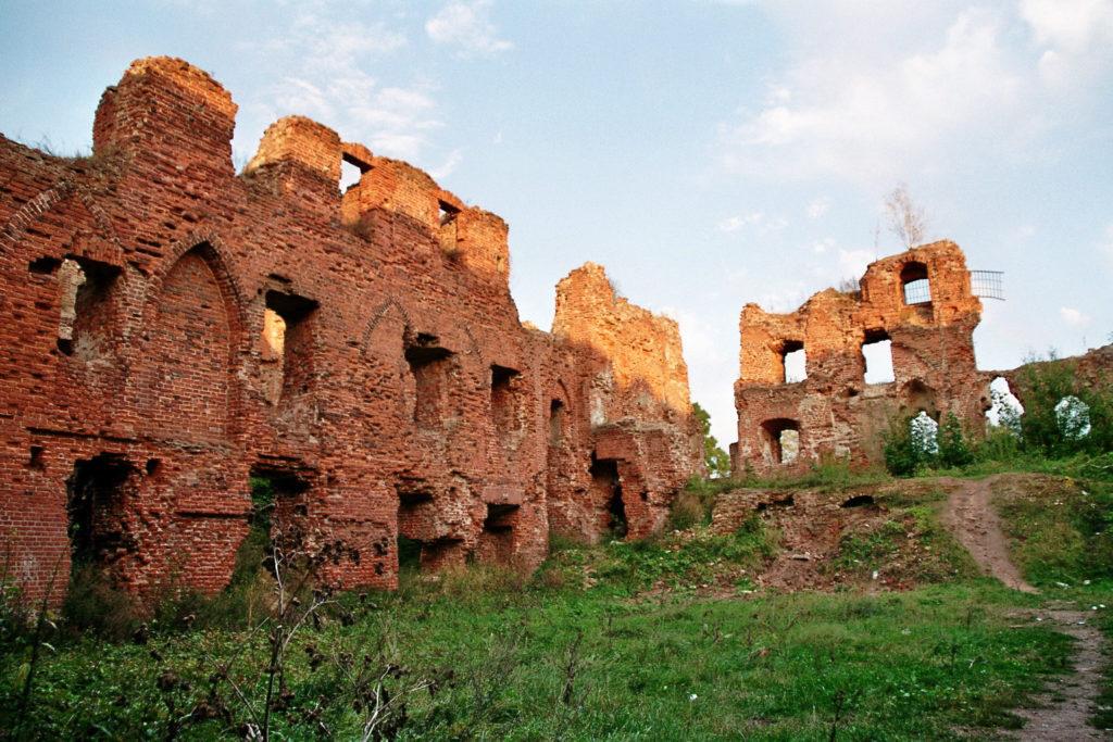 Руины орденского замка Рагнит, Неман