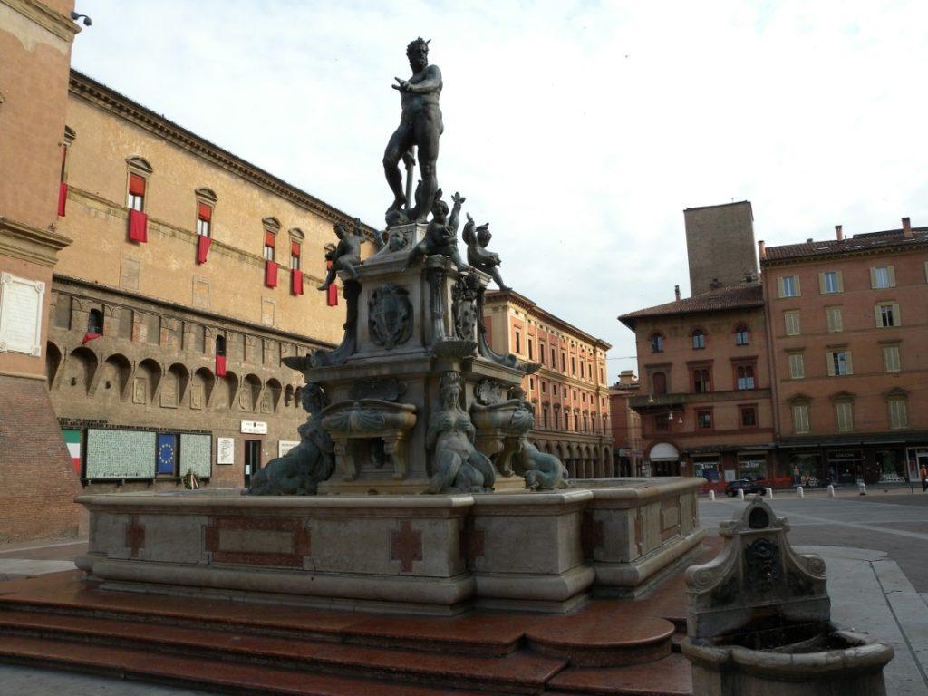 Фонтан на площадь Нептуна в Болонье