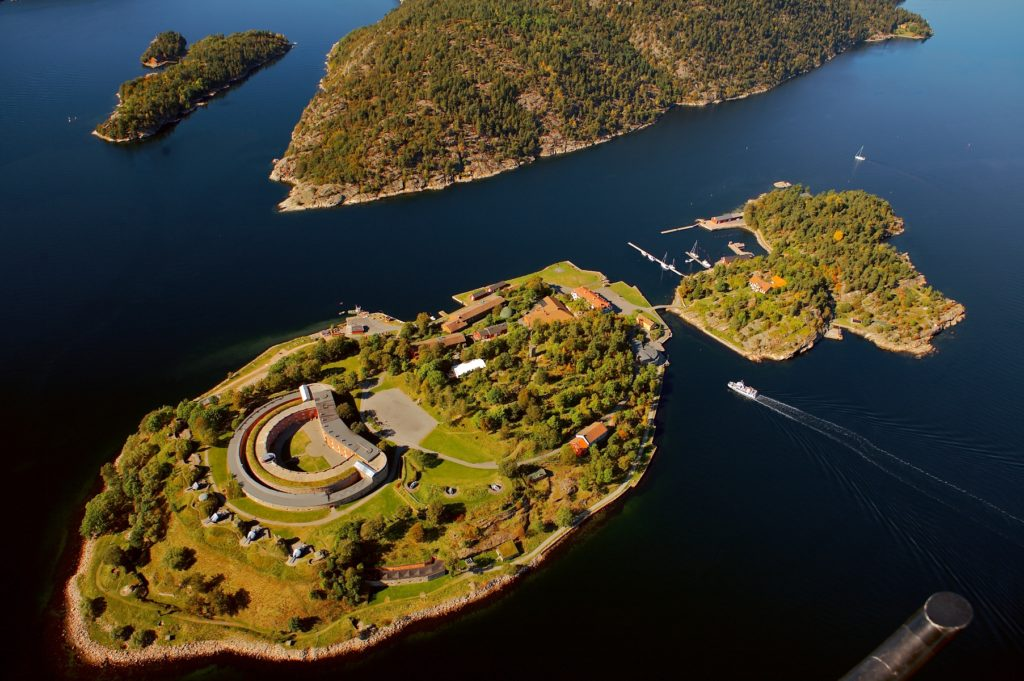 Крепость Оскарсборг с высоты, Осло, Норвегия