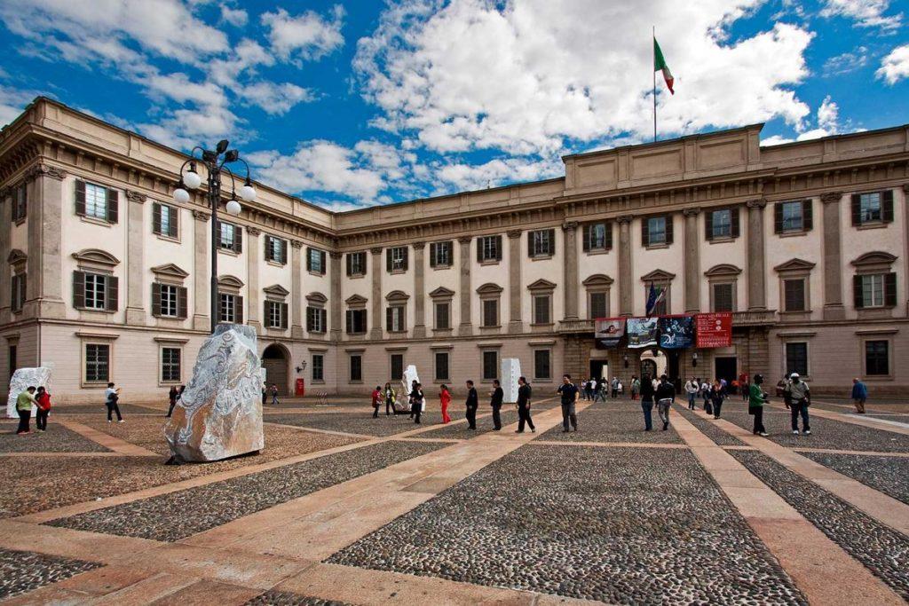 Королевский дворец Милана