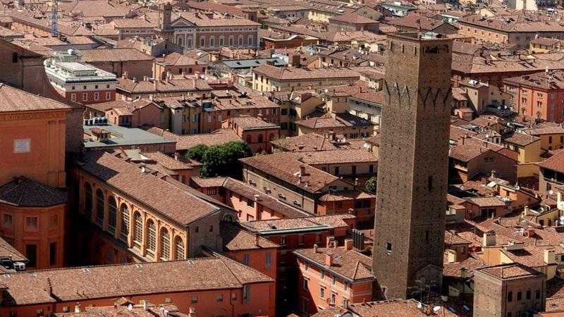 Башня Прендипарте в Болонье