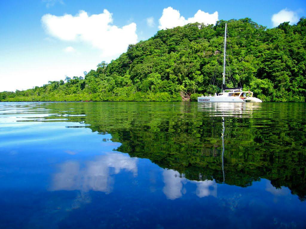 Озеро Тегано на Соломоновых островах