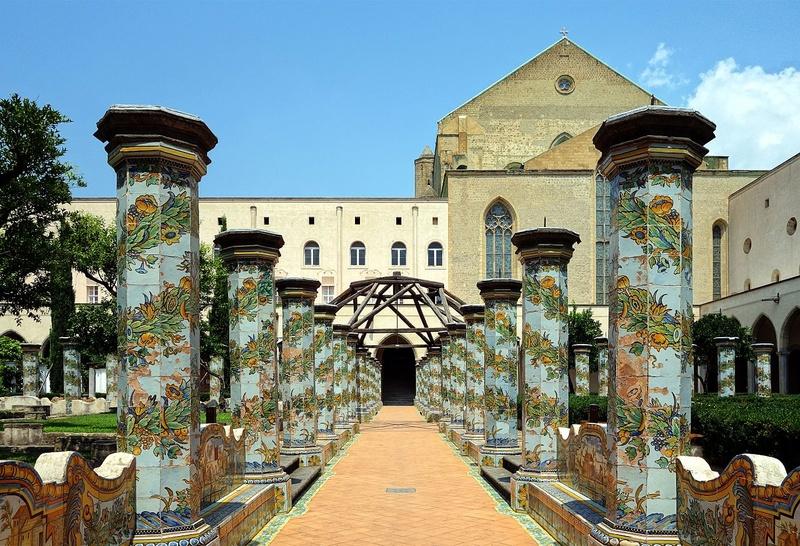 Монастырь Санта Кьяра в Неаполе