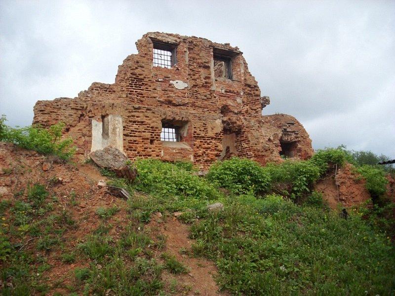 Руины тюремного замка Борисова