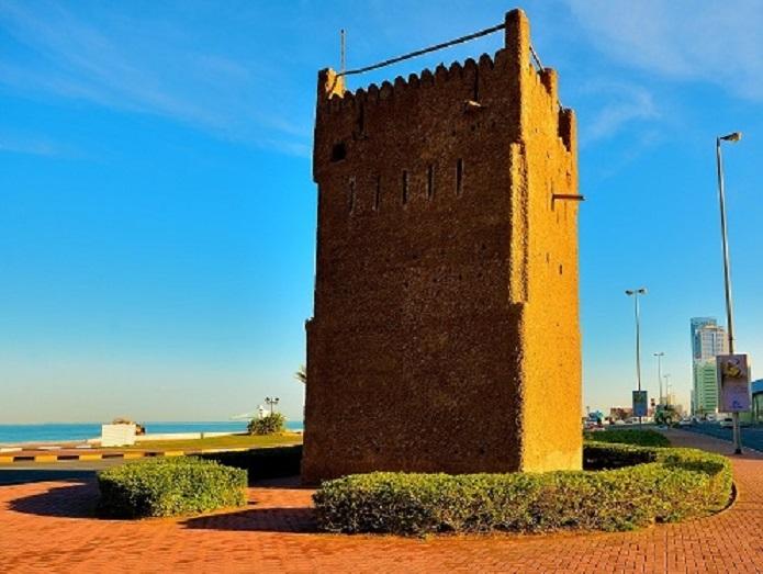 Квадратная сторожевая башня в Аджмане