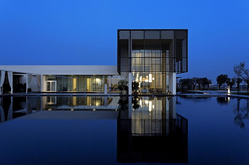 """Отель """"The Oberoi Beach Resort, Al Zorah"""", 5* в Аджмане"""