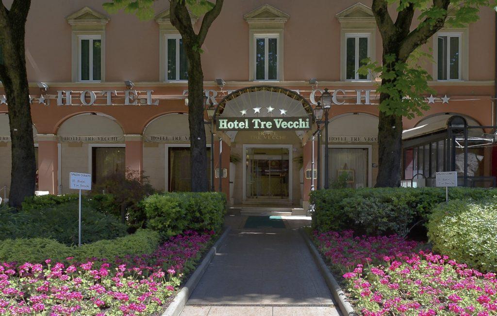 """Вход в отель """"Tre Vecchi"""", Болонья"""