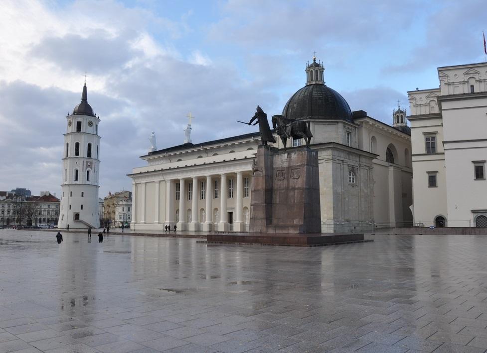 Кафедральная площадь Вильнюса