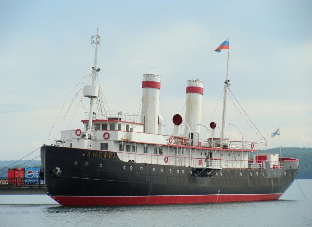 Музей-ледокол «Ангара» в Иркутске