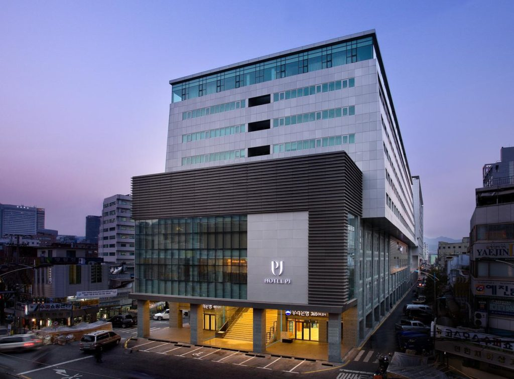 """Отель """"PJ Hotel Myeongdong"""" в Сеуле"""