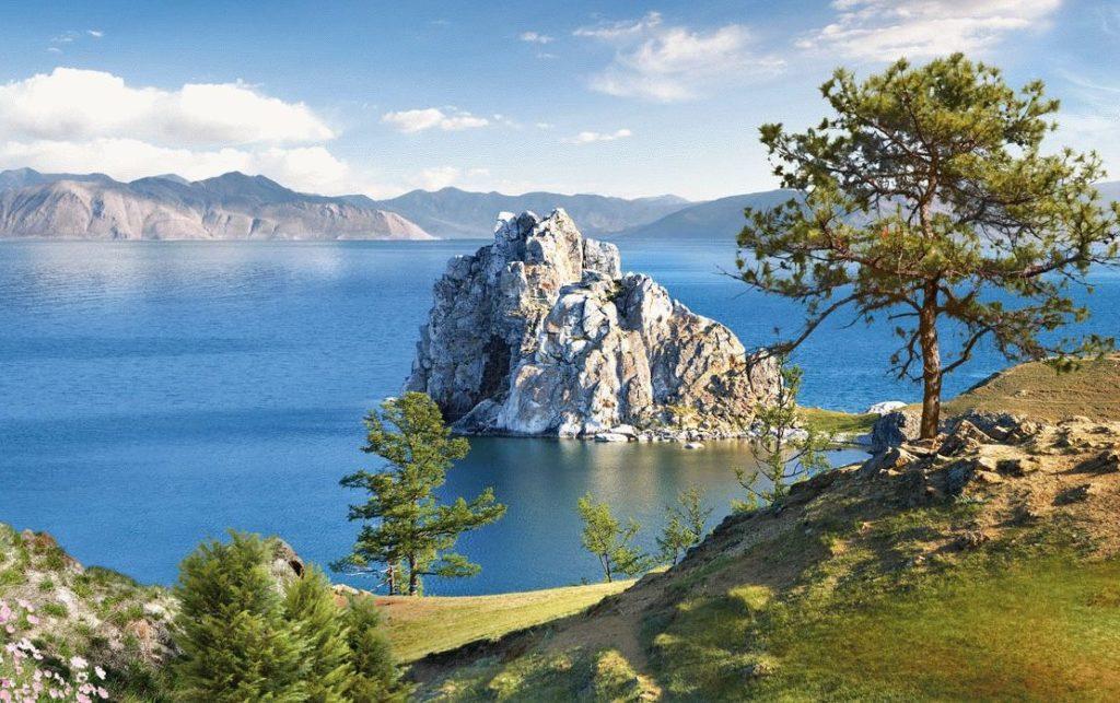 Озеро Байкал близ Иркутска