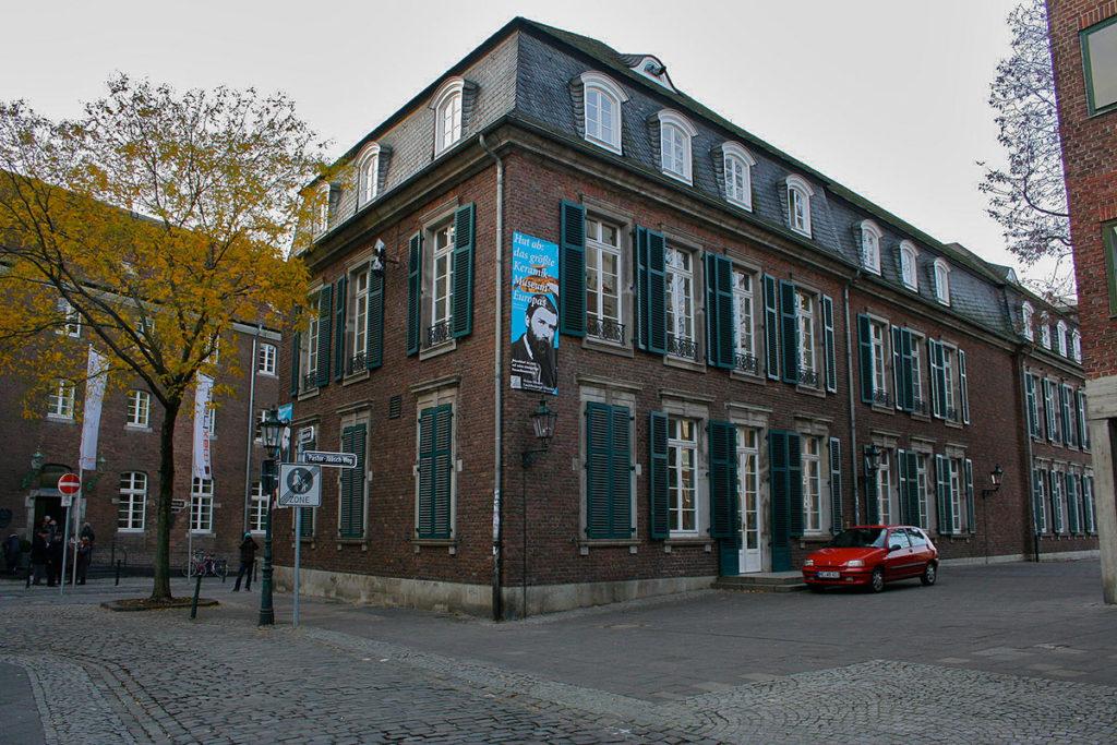 Музей керамики Этьена в Дюссельдорфе