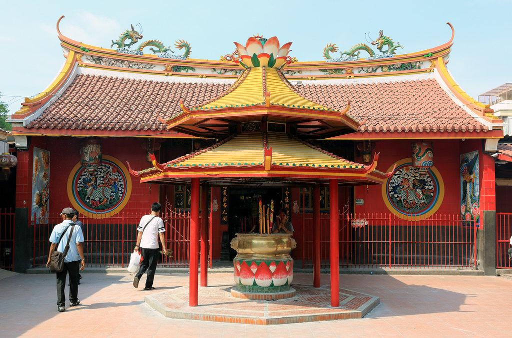 Буддийский храм Вихара Дхарма Бхакти в Джакарте