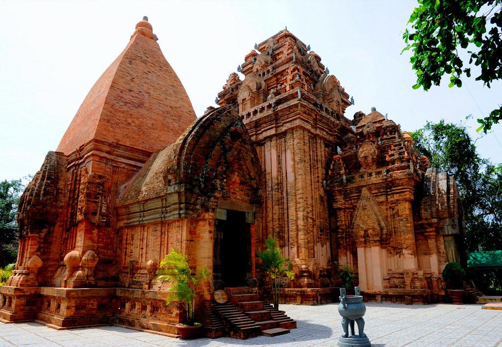 Храм четырех божеств в Нячанге