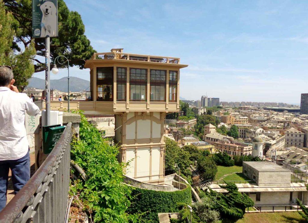 Лифт Портелло в Генуе