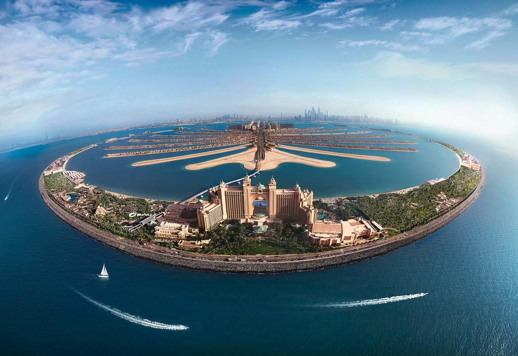 Пальмовый остров Джумейра в Дубае