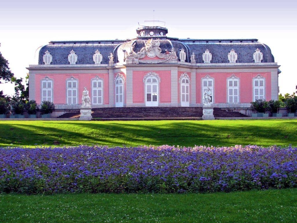 Дворец Бенрат в Дюссельдорфе