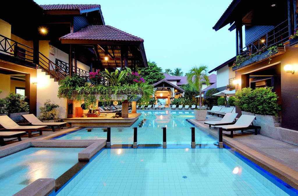 "Отель ""Ramada Phuket South Sea"" в Пхукете"