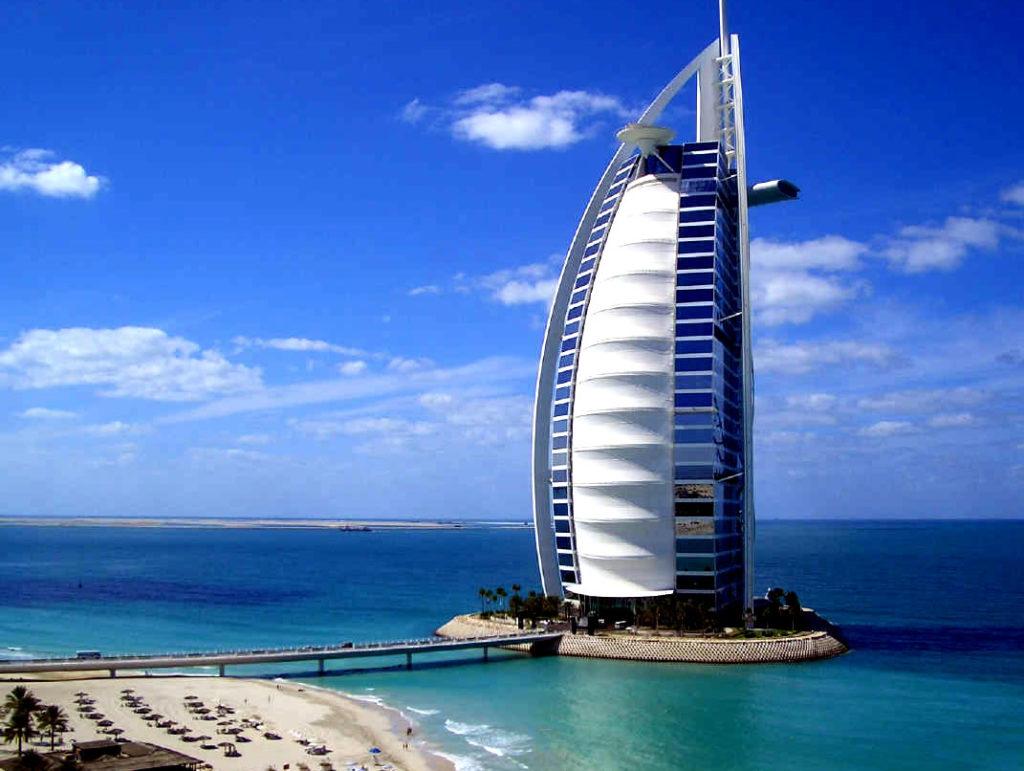 """Отель """"Бурдж аль-Араб"""" в Дубае"""