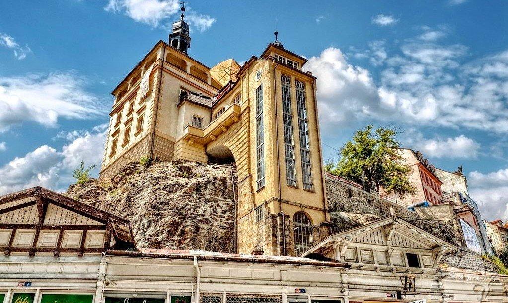 Замковая башня Карловых Вар
