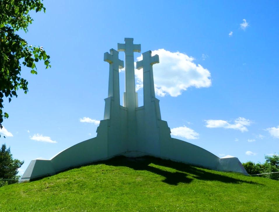 Памятник «Три Креста» в Вильнюсе