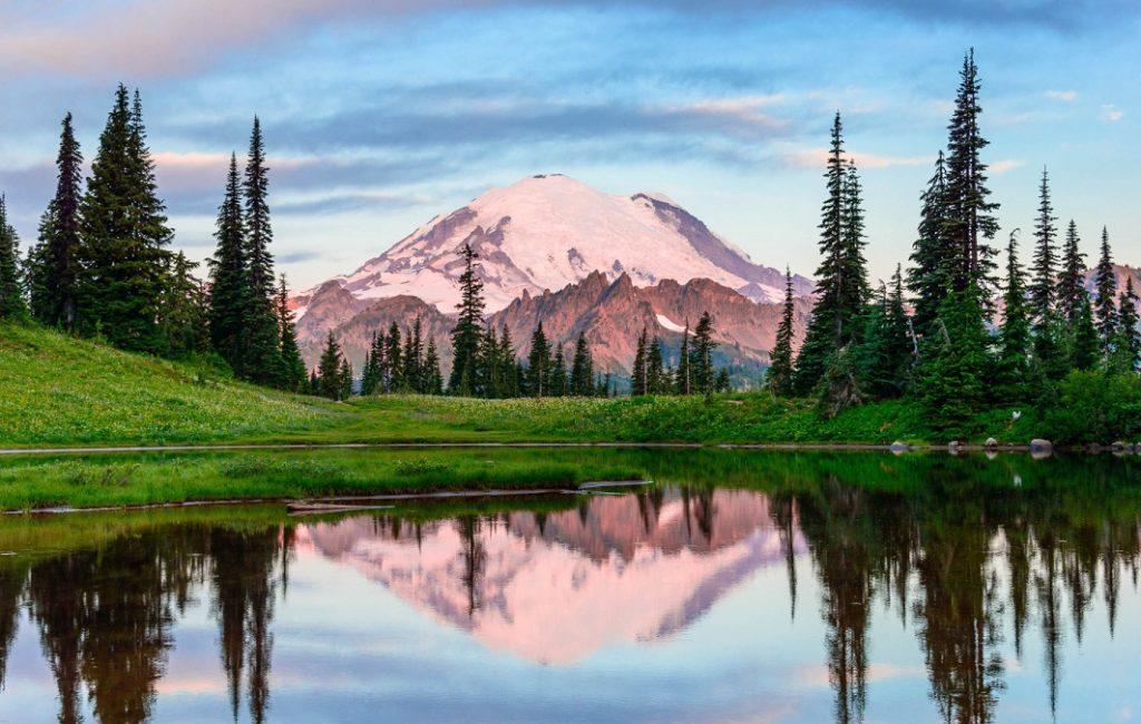 Зеркальные озера близ Сиэтла, штат Вашингтон