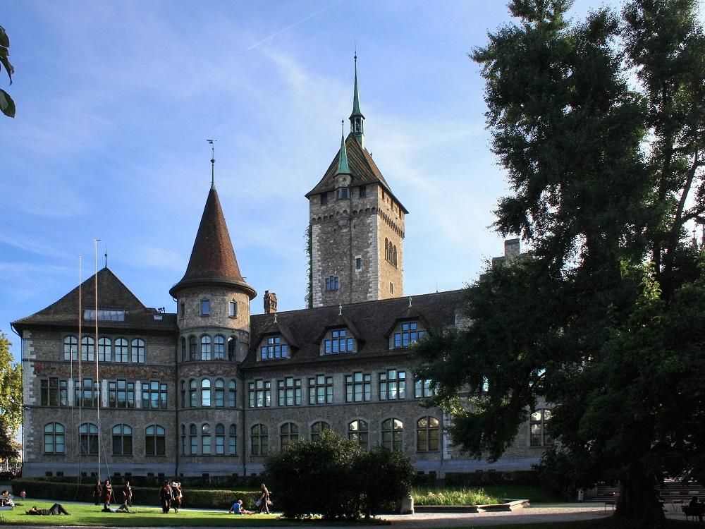 Швейцарский национальный музей в Цюрихе