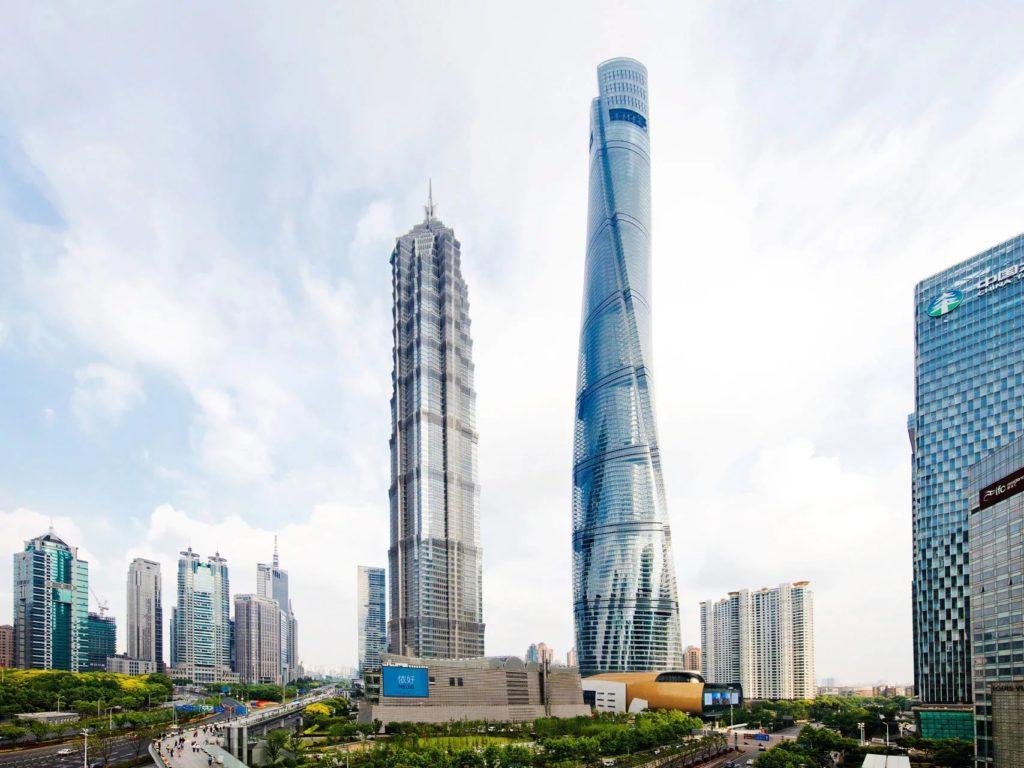 Шанхайская башня в Китае