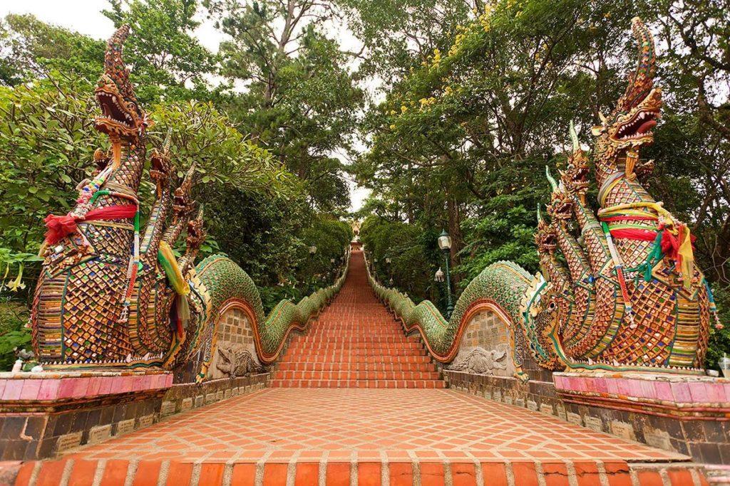 Лестница к храму Дой Сутхеп, Чиангмай