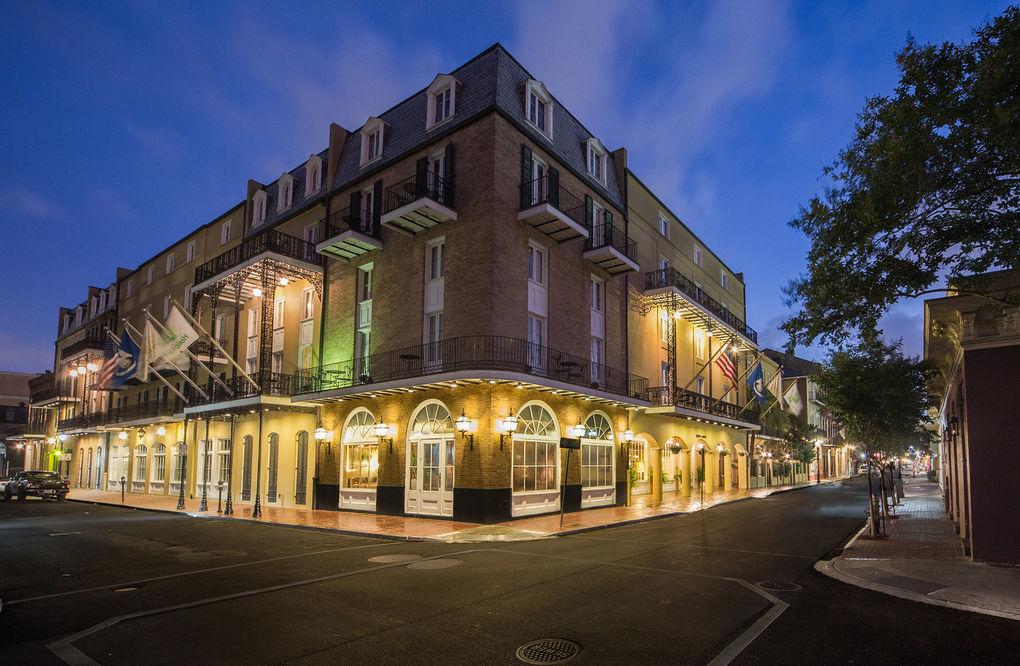 """Отель """"Chateau"""" в Новом Орлеане"""