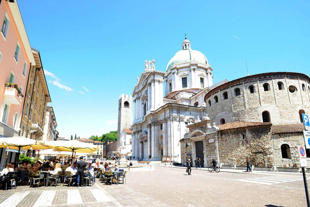 Городок Брешиа в Италии