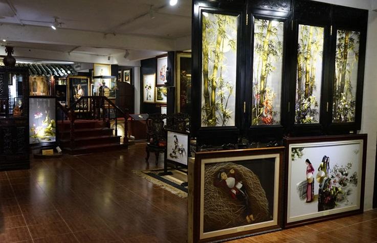 Шелковая арт-мастерская и галерея фабрики в Далате