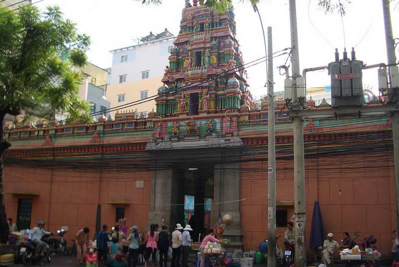 Индуистский храм Марьямман в Хошимине
