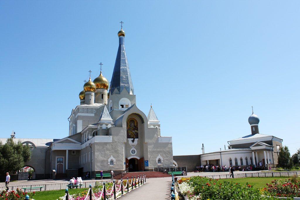 Свято-Введенский кафедральный собор в Караганде