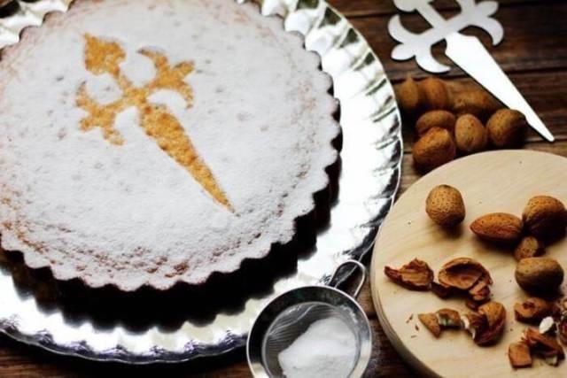 Миндальные пирога Тарта де Сантьяго в Сантьяго-де-Компостела